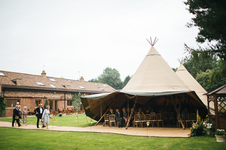 Villa farm tipi wedding