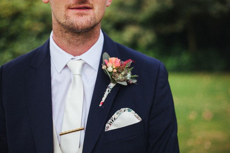 Colourful buttonholes