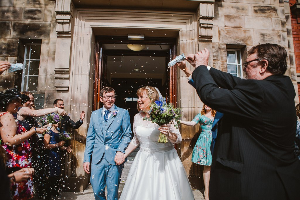 Confetti wedding photo - Fun relaxed photography