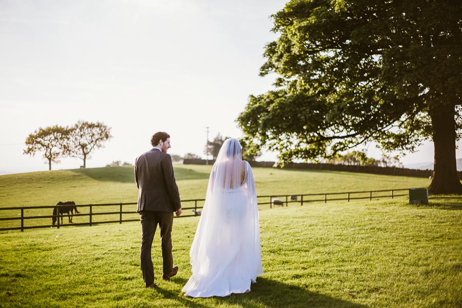 Cheshire wedding photographer - Heaton House Farm