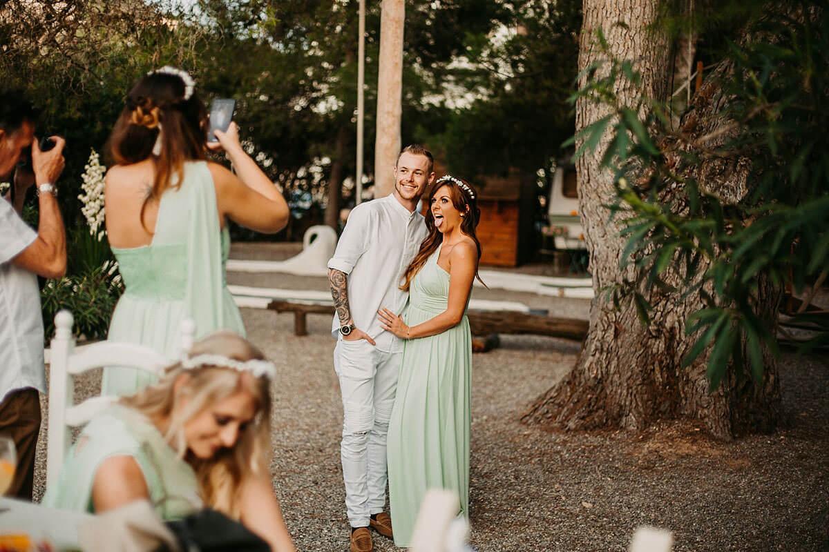 Fun relaxed wedding photographs
