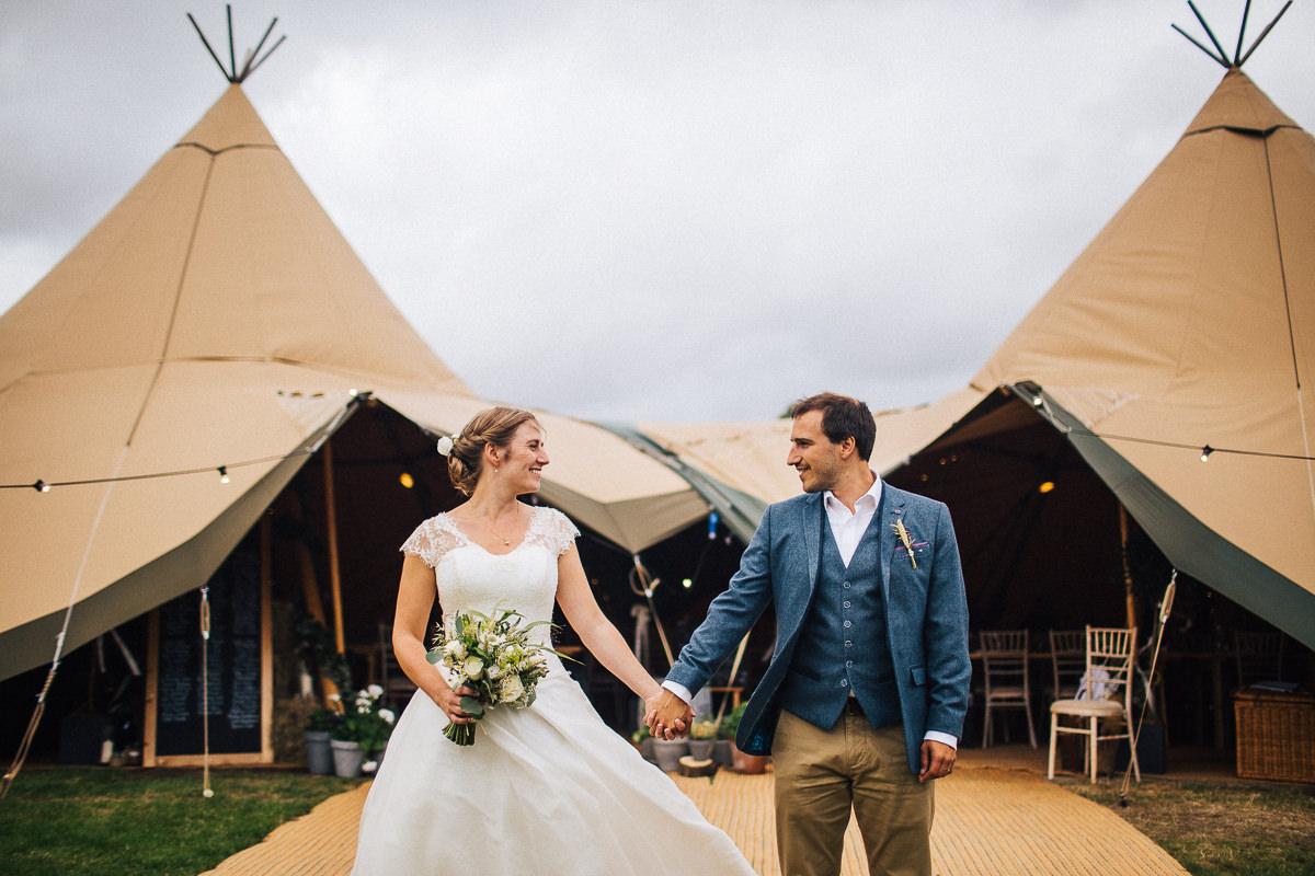 Tipi wedding Heaven Farm