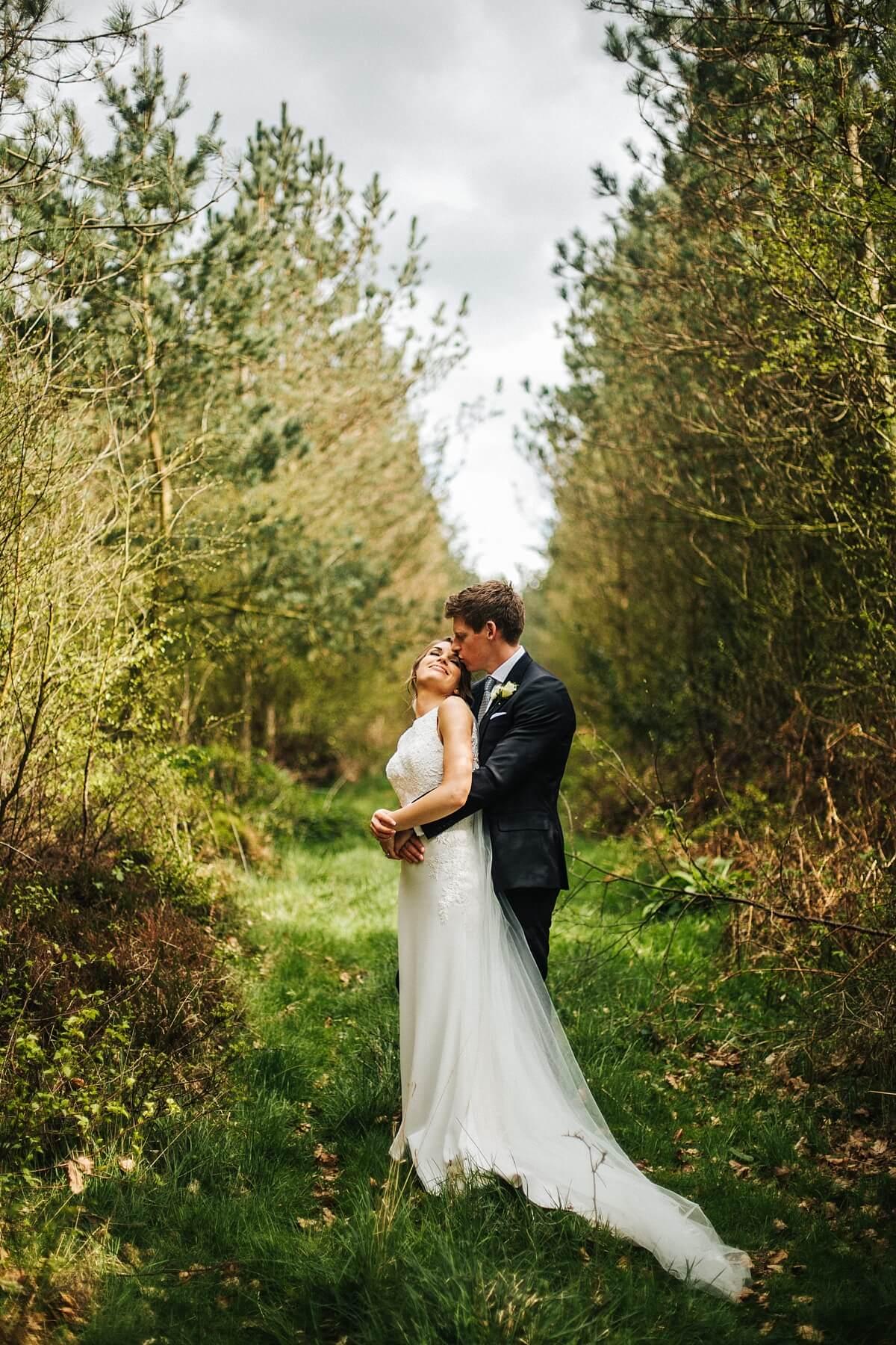 Natural healey barn wedding photos