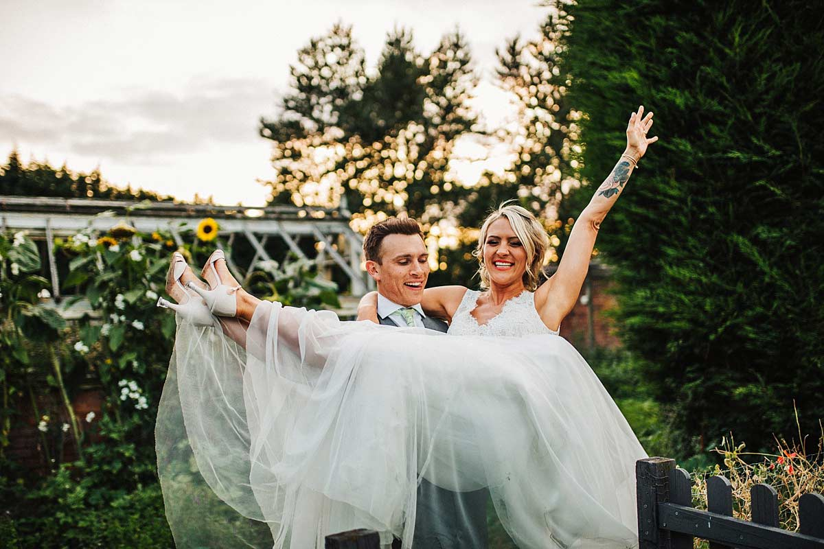 Relaxed wedding photos