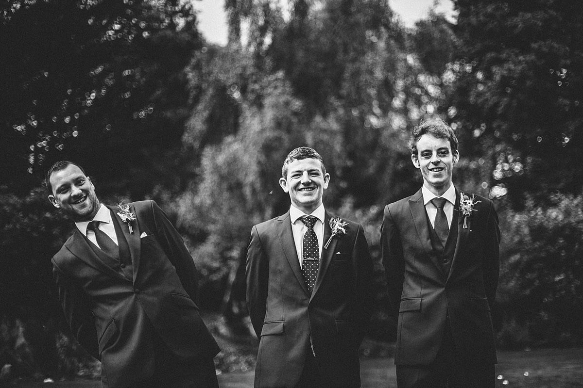 Fun photo with the groomsmen