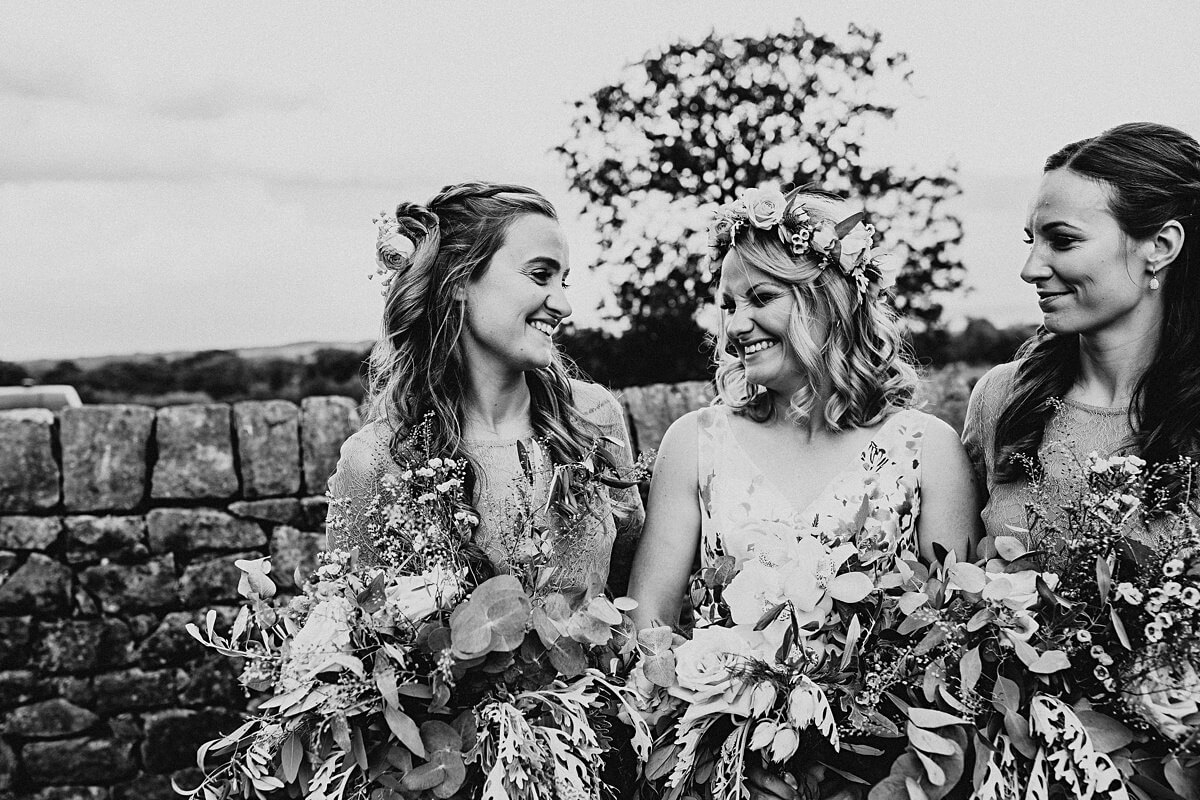 Natural photo of the bride and her sister