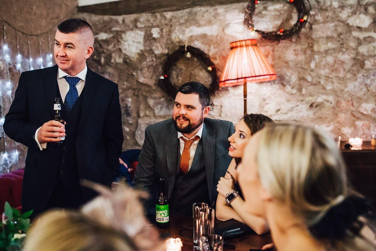 Natural photos of the wedding guests