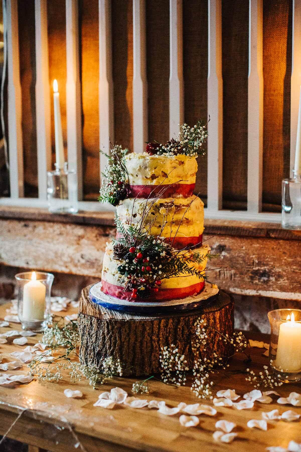 Winter wedding cake with berries