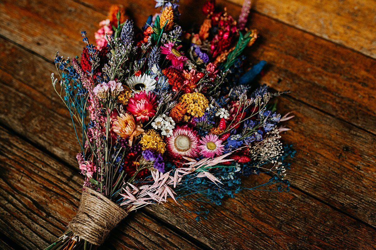 Folky Dokey colourful dried wedding flowers