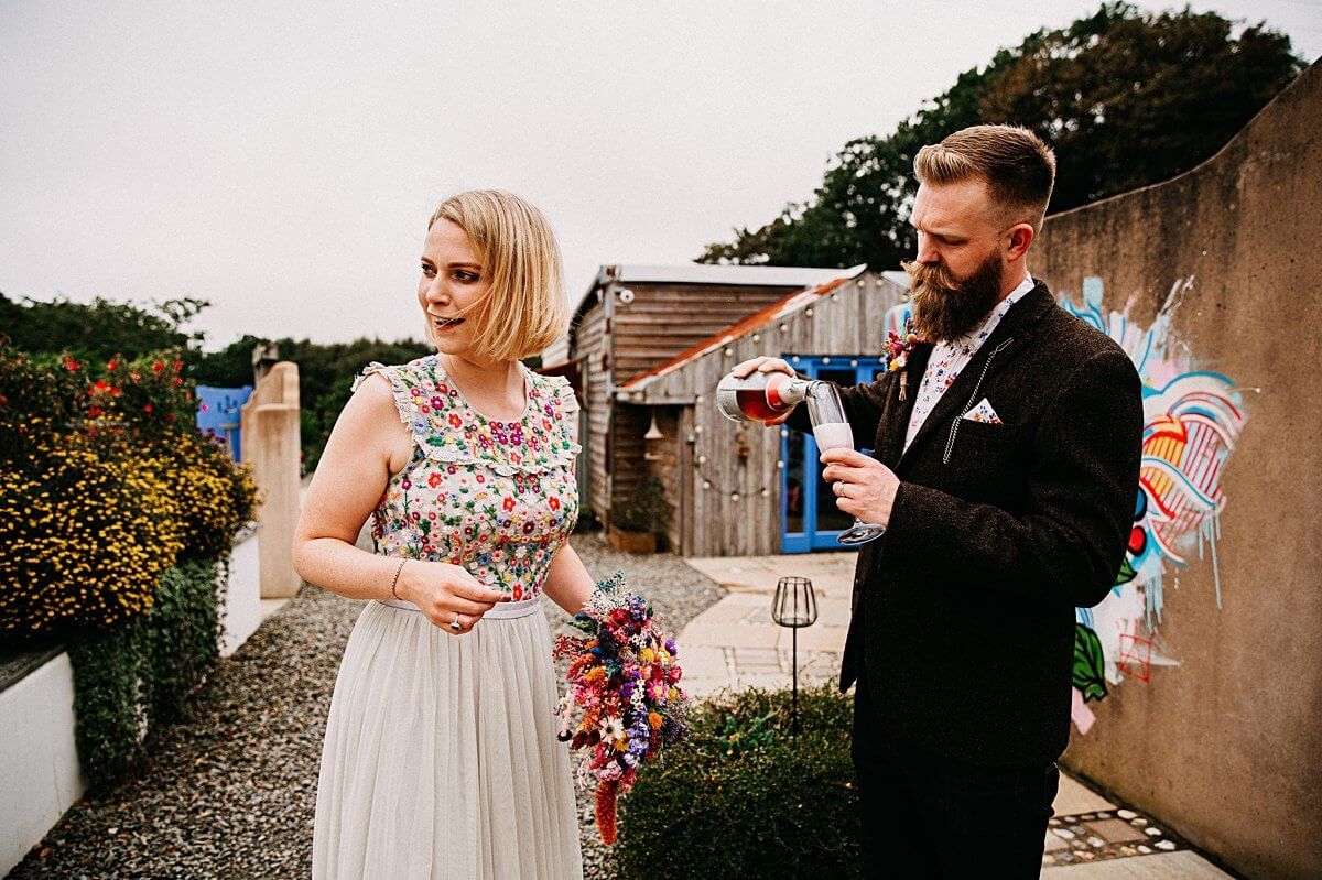 Relaxed wedding in Cornwall