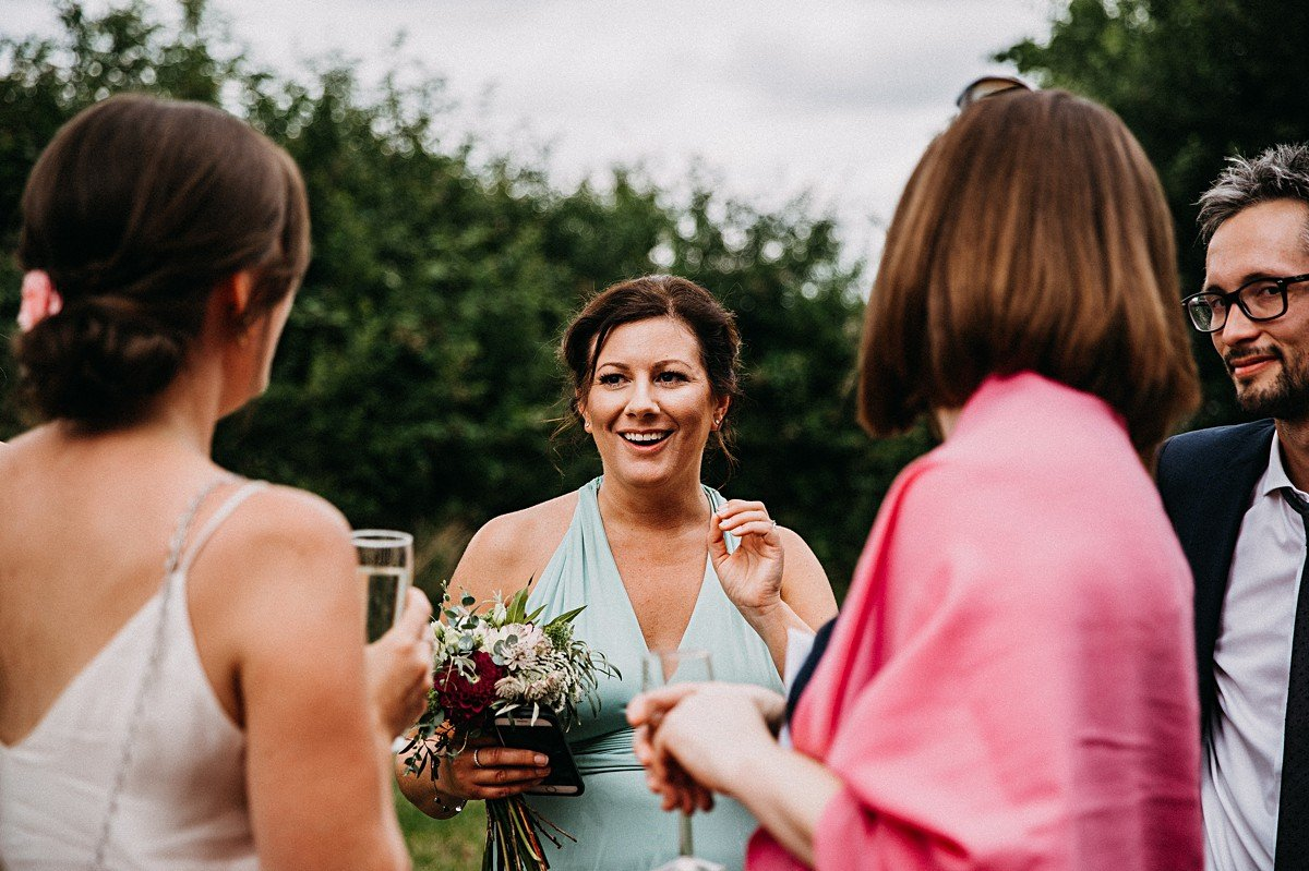 Relaxed outdoor wedding