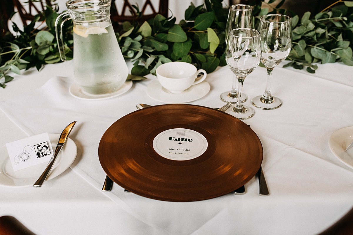 Vinyl wedding favours
