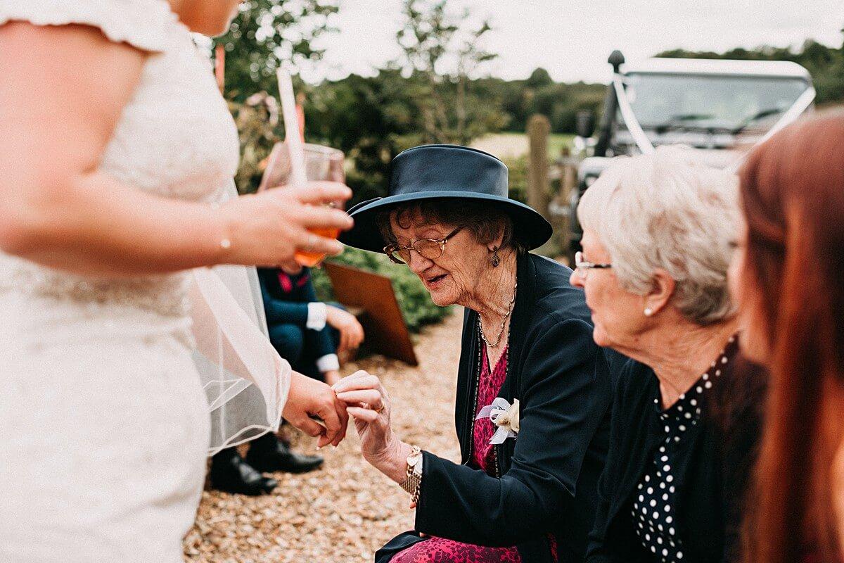 Natural moments at the tipi wedding
