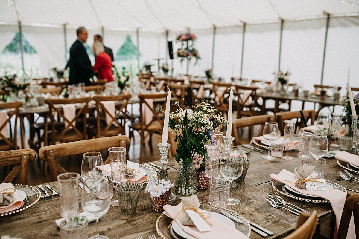 Relaxed outdoor wedding reception